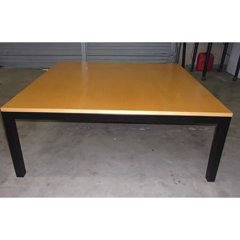 Maple Wood Coffee Table.Coffee Table With Maple Wood Top