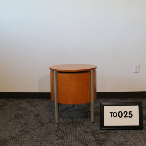 Picture of used golden cherry wood end table for sale at Monarch Office Furniture