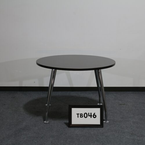 """Picture of used 42"""" round mahogany laminate breakroom table for sale at Monarch Office Furniture"""